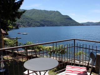 WATERFRONT - LAKE COMO BEACH RESORT - Paradiso - Como vacation rentals