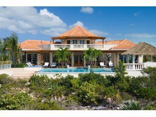 Iconic peaked orange roof - Infinity Pool &Jacuzzi, Spacious Villa w/ Stunning Ocean Views,Private Swim Dock - Providenciales - rentals