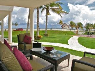 Ground Floor Home by the Great Beach - Playa del Carmen vacation rentals