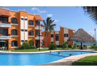 Beachfront Condo & Easy Walk to Town Square. - Puerto Morelos vacation rentals