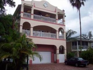 "Welcome - GIGA-HOMES ""Casa Mango"", up to 10P., 5 Min to Bea - Fort Myers Beach - rentals"