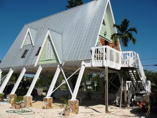 One of a Kind, Romantic, Peaceful,Key Largo Beauty - Coconut Grove vacation rentals
