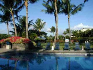 Main Pool at Maui Kamaole is just steps away from the condo - Newly Remodeled Luxury Poolview Maui Kamaole 2BR - Kihei - rentals