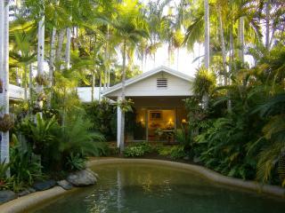 Paradise Villa B&B Port Douglas - Port Douglas vacation rentals