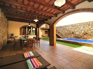 EXCLUSIVE 18th CENTURY VILLAGE HOUSE WITH POOL - Agullana vacation rentals