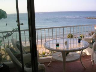 Oceanfront Balcony w/ Furniture - PUERTO RICO OCEANFRONT 2 BEDROOM CONDO-ISLA VERDE - Isla Verde - rentals