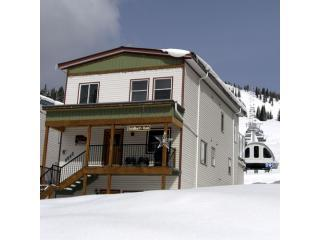Ski-in / Ski-out - 2bdr Suite - Silver Star Resort - Lumby vacation rentals