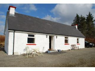 Our beautiful holiday home in west Donegal - LITTLE IRISH COTTAGE DONEGAL IRELAND no extra fees - Ardara - rentals