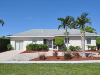 Front of the House - Chestnut Ct - CHES818 - Newly Renovated Home! - Marco Island - rentals