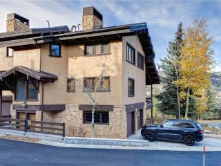 Gorgeous Condo with Deck and Parking - Deer Valley vacation rentals
