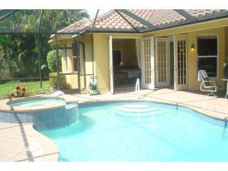 Heated Swimming Pool/ Spa - Luxurious Mediterranean House 2 Master On suite Bedrooms - Naples - rentals