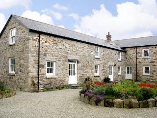 DEMELZA BARN, pet friendly, country holiday cottage, with a garden in Reawla, Ref 3518 - Hayle vacation rentals
