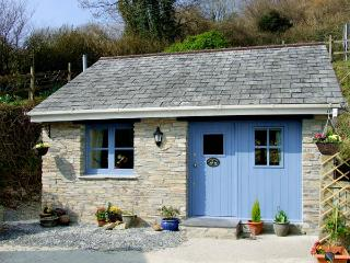 KINGFISHER COTTAGE, country holiday cottage, with a garden in Pentewan, Ref 2957 - Lanivet vacation rentals