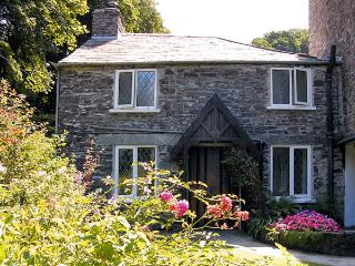 MILL COTTAGE, character holiday cottage, with a garden in Tintagel, Ref 981 - Boscastle vacation rentals