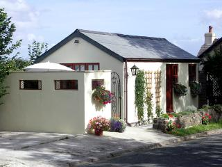 PALMERS LODGE, romantic, country holiday cottage, with a garden in Egloskerry, Ref 1903 - Egloskerry vacation rentals