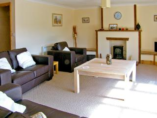 RIVERSIDE, family friendly, country holiday cottage, with a garden in Roche, Ref 2404 - Roche vacation rentals