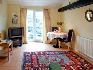THE GARDEN APARTMENT, pet friendly, with a garden in Tintagel, Ref 2958 - Tintagel vacation rentals