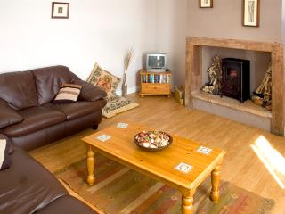 ALBION COTTAGE, pet friendly, with a garden in Silloth, Ref 1731 - Silloth vacation rentals
