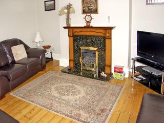 AMBLERS' REST, pet friendly, with a garden in Amble-By-The-Sea, Ref 2786 - Amble vacation rentals