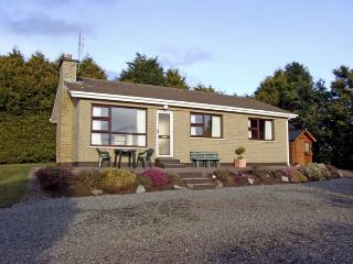 BAYVIEW COTTAGE, family friendly, country holiday cottage, with a garden in Kilgarvan, Ref 2455 - Cork vacation rentals