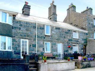 BODLONDEB, family friendly, character holiday cottage, with open fire in Harlech, Ref 2234 - Llanaber vacation rentals