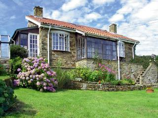 BRACKEN EDGE, pet friendly, country holiday cottage, with a garden in Sleights - Sleights vacation rentals