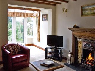 CAPE LANDINGS, pet friendly, country holiday cottage, with a garden in Great Urswick, Ref 3621 - Great Urswick vacation rentals
