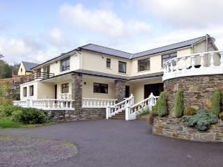 CASTLE LANE HOUSE, family friendly, with pool in Glandore, County Cork, Ref 2500 - Leap, County Cork vacation rentals