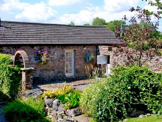 CHERRY TREE COTTAGE, pet friendly, country holiday cottage, with a garden in Soulby,Ref 2253 - Soulby vacation rentals