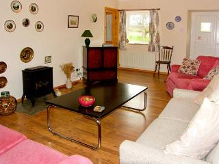 DROVERS REST, pet friendly, country holiday cottage, with a garden in Otterburn, Ref 1827 - Otterburn vacation rentals