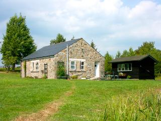 DROVERS REST, pet friendly, country holiday cottage, with a garden in - Otterburn vacation rentals