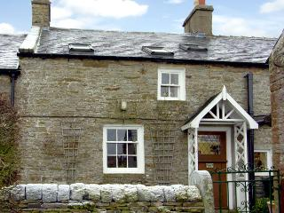 ENGLEWOOD COTTAGE, pet friendly, character holiday cottage, with a garden in Allenheads, Ref 291 - Allenheads vacation rentals