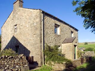 FAWBER COTTAGE, family friendly, character holiday cottage, with a garden in Horton-In-Ribblesdale, Ref 1198 - North Yorkshire vacation rentals