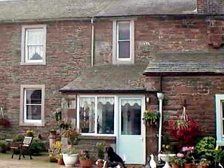 FOXGLOVES COTTAGE, pet friendly, character holiday cottage, with a garden in Wigton, Ref 507 - Silloth vacation rentals