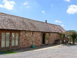 GARDEN BARN, pet friendly, character holiday cottage, with a garden in Billingsley, Ref 1983 - Billingsley vacation rentals