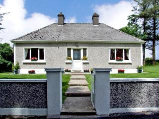 GORTNA GLOSS, family friendly, country holiday cottage in Templeglantine Near Abbeyfeale, County Limerick, Ref 2635 - Templeglantine vacation rentals