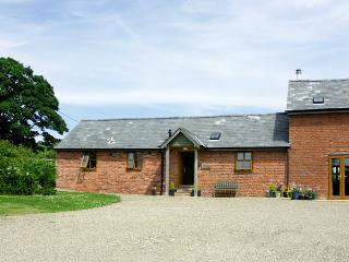 THE BYRE, character holiday cottage, with a garden in Wentnor, Ref 1502 - Wentnor vacation rentals