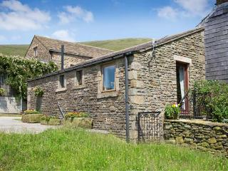 HEATH COTTAGE, romantic, character holiday cottage, with a garden in Edale, Ref 611 - Edale vacation rentals