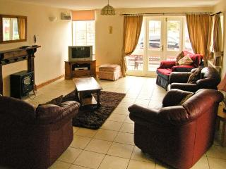 HEN COTTAGE, family friendly, character holiday cottage, with a garden in Rossett, Ref 1336 - Rossett vacation rentals