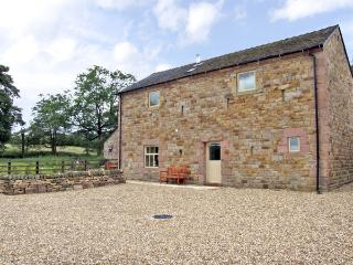 HONEYSTONE, family friendly, character holiday cottage, with a garden in Meerbrook, Ref 3565 - Rudyard vacation rentals