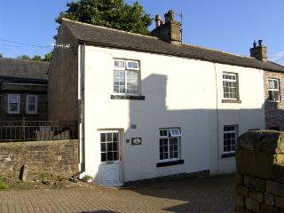 KINGS COTTAGE, pet friendly, character holiday cottage in Alston, Ref 3604 - Alston vacation rentals
