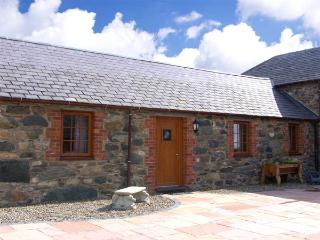 LILY COTTAGE, romantic, character holiday cottage, with a garden in Caeathro, Ref 2951 - Caeathro vacation rentals