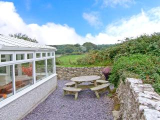 LLANALLGO CHURCH ROOMS, pet friendly, luxury holiday cottage, with a garden in Moelfre, Isle Of Anglesey, Ref 2378 - Moelfre vacation rentals