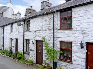 LLANNERCH, romantic, character holiday cottage, with open fire in Betws-Y-Coed, Ref 3513 - Cwm Penmachno vacation rentals
