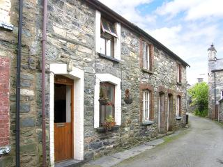 LLONDY, romantic, character holiday cottage, with open fire in Betws-Y-Coed, Ref 955 - Betws-y-Coed vacation rentals