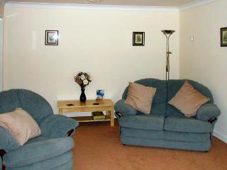 LONG ACRES, pet friendly, country holiday cottage, with a garden in Old Leake, Ref 2946 - Old Leake vacation rentals