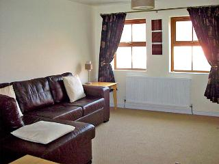 PRINCE COTTAGE, pet friendly, with a garden in Skinningrove, Ref 2835 - Skinningrove vacation rentals