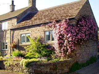 COBBLED CORNER, romantic, character holiday cottage, with a garden in Elton, Ref 1613 - Ashover vacation rentals
