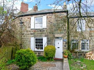 QUINCE COTTAGE, family friendly, character holiday cottage, with open fire in Longframlington Near Alnwick, Ref 2017 - Northumberland vacation rentals