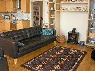 SEA VIEW LODGE, family friendly, country holiday cottage, with a garden in Warkworth, Ref 1134 - Warkworth vacation rentals